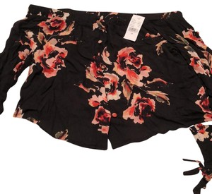 PacSun Top black and pink floral print