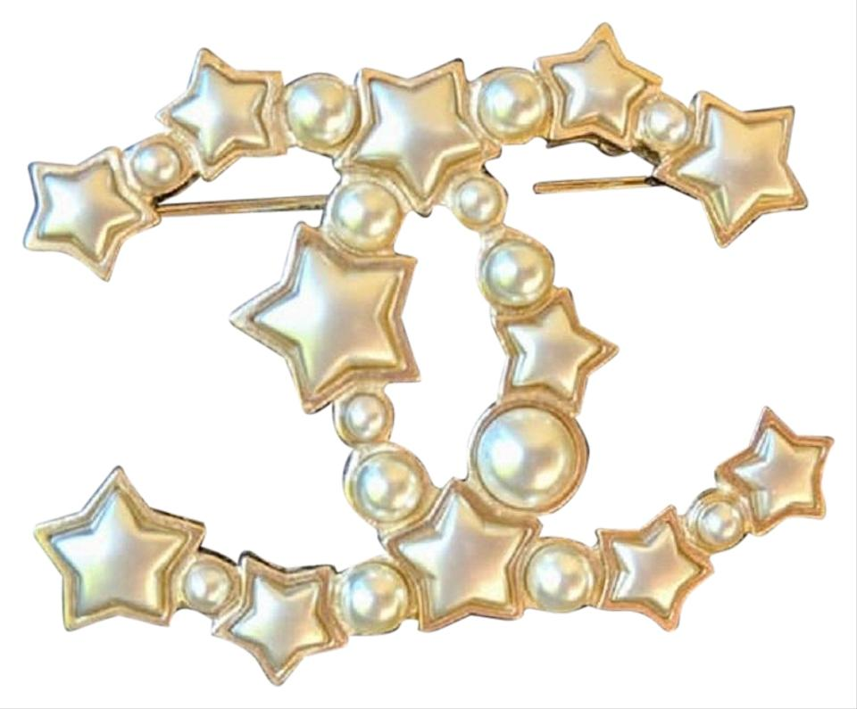 1fba0f2b889 Chanel Gold Star Resin Pearl Large CC Brooch Image 0 ...