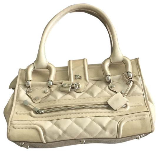 Preload https://img-static.tradesy.com/item/24049751/monogrammed-authentification-papers-ivory-patent-leather-clutch-0-1-540-540.jpg