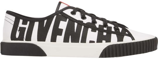 Preload https://item3.tradesy.com/images/givenchy-whiteblack-boxing-sneakers-sneakers-size-eu-365-approx-us-65-regular-m-b-24049767-0-1.jpg?width=440&height=440