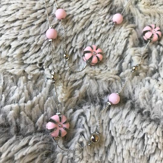 Color flower bead