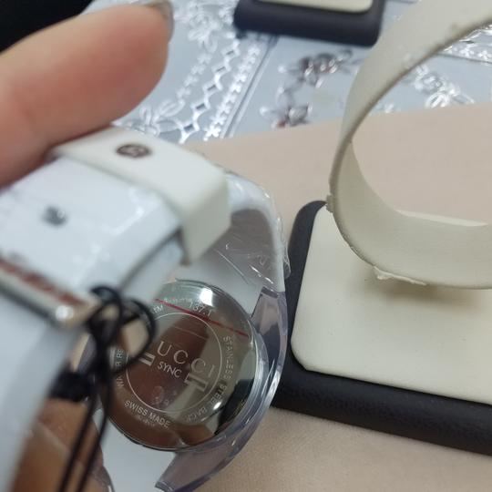 Gucci NWT White Gucci Sync Watch