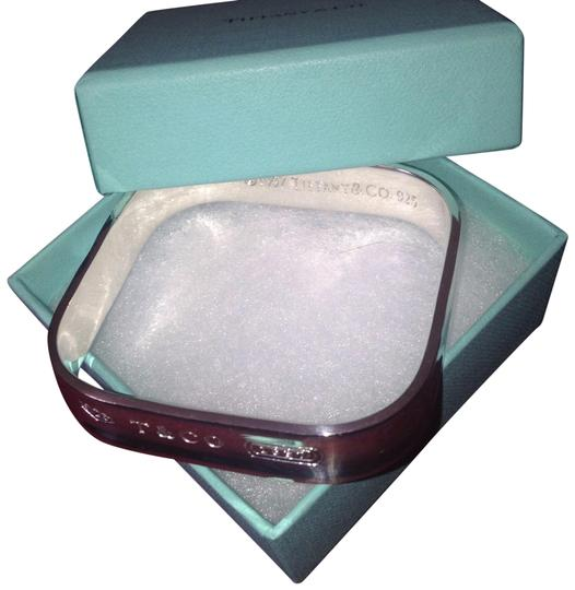 Preload https://item1.tradesy.com/images/tiffany-and-co-square-bangle-bracelet-24050005-0-1.jpg?width=440&height=440