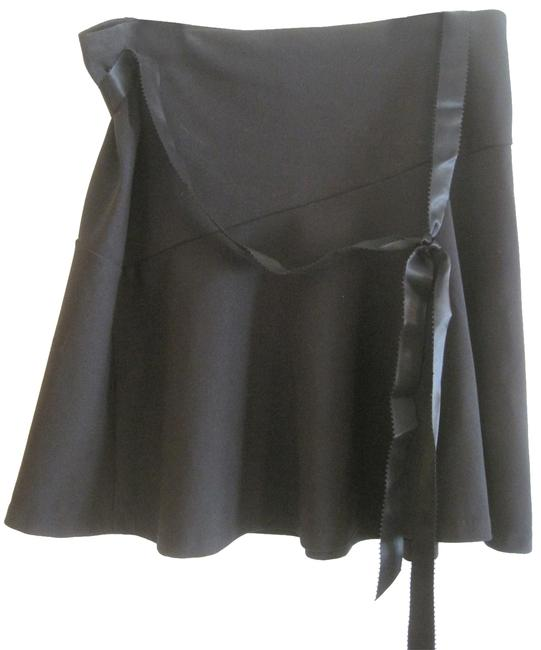Item - Black Elastic Waist Skirt Size 12 (L, 32, 33)