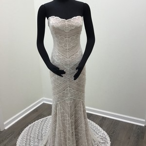 Wtoo Off White/ Rose Gold Beaded Circle Lace Stretch Satin Pippin 13111 Modern Wedding Dress Size 8 (M)