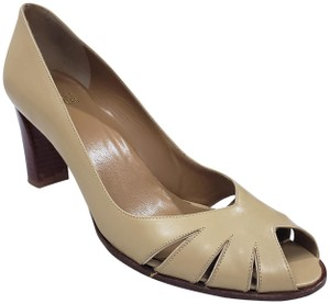 Stuart Weitzman #peeptoepump #careerpump Camel Tan Beige Pumps