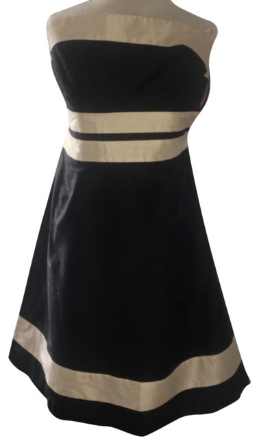 Item - Black and Creme Mid-length Formal Dress Size 8 (M)