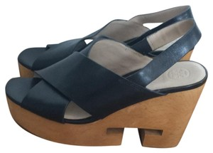 cc6cb1ec2e27 Tory Burch Wedges - Up to 90% off at Tradesy