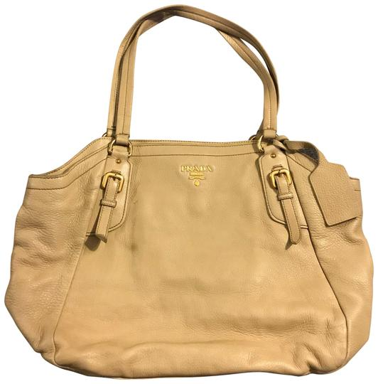 Preload https://img-static.tradesy.com/item/24055457/prada-belted-soft-large-nude-calfskin-beige-leather-tote-0-1-540-540.jpg