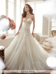 Sophia Tolli White Lace and Tulle Y11715lb Deon Modern Wedding Dress Size 8  (M) 226e02f79f