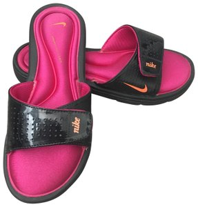 877f94ff00a4ca Nike Sandals - Up to 90% off at Tradesy