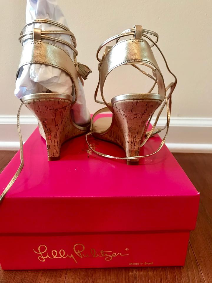 c5a88e26ca86 Lilly Pulitzer Gold Aria Wedges Size US 8 Regular (M