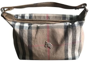 d3a24226f5ec Burberry Wristlets - Up to 70% off at Tradesy