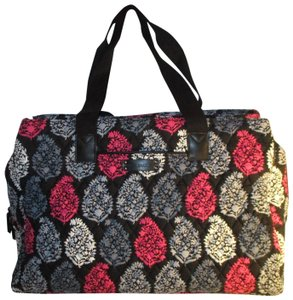 4ff1e81cd6 Pink Vera Bradley Weekend   Travel Bags - Up to 90% off at Tradesy