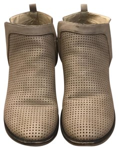 Restricted taupe Boots