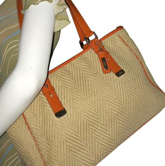 Preload https://img-static.tradesy.com/item/24061726/cole-haan-and-orange-canvas-beige-straw-tote-0-1-540-540.jpg
