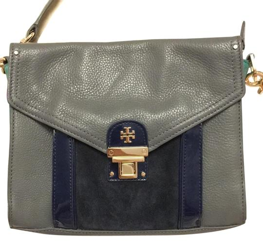 Preload https://img-static.tradesy.com/item/24062389/tory-burch-new-grey-leather-cross-body-bag-0-1-540-540.jpg