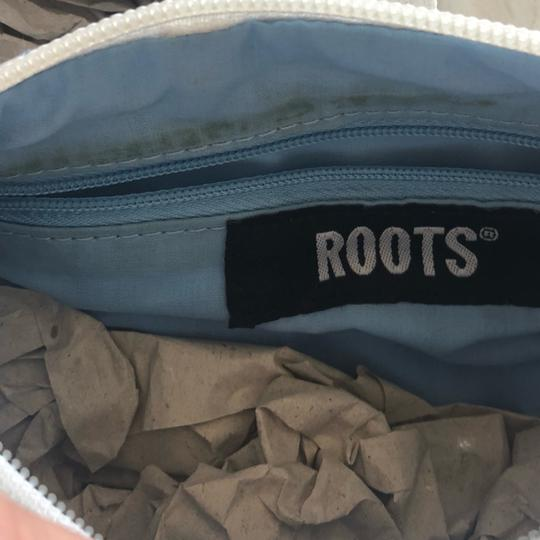 Roots Satchel in white