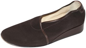 Taryn Rose Wedge Italian Strechy Arch Support Brown Pumps