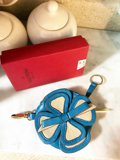 Valentino Rare Valentino Flower Coin Purse / Key Pouch / Keychain / Bag Charm
