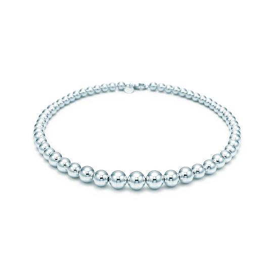 Preload https://img-static.tradesy.com/item/24065630/tiffany-and-co-sterling-silver-hardware-graduated-ball-necklace-0-0-540-540.jpg
