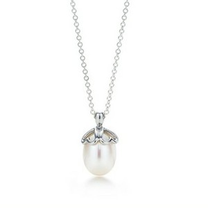Tiffany & Co. Tiffany & Co. Heart Cap Pearl Pendant Sterling Silver Necklace