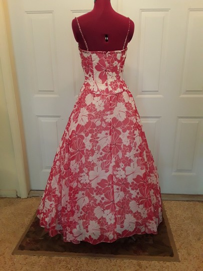 Alfred Angelo Red/White Floral Chiffon with Sequin Embellishments; Lining Polyester with Boning; Petticoats Tulle and Poly Lining Princess Gown Destination Bridesmaid/Mob Dress Size 2 (XS) Image 1