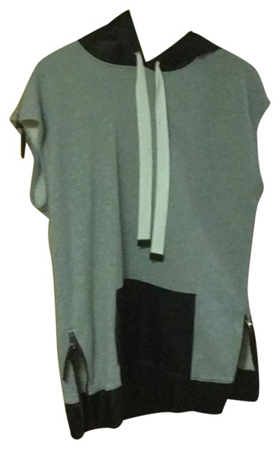 Item - Grey and Black Poncho/Cape Size 6 (S)