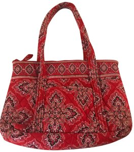 Red Shoulder Bags - Up to 90% off at Tradesy 8d03a154fd3da