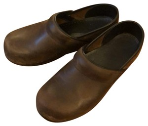 Dansko antique brown Mules