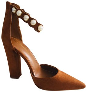 Shoe Republic LA Brown Pumps