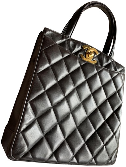 Preload https://img-static.tradesy.com/item/24069582/chanel-quilted-top-handle-black-lambskin-leather-tote-0-2-540-540.jpg