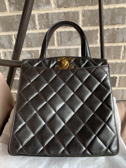 Chanel Cc Logo Flap Classic Tote in Black