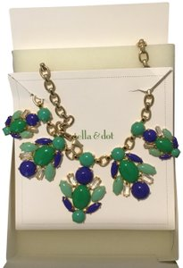 Stella & Dot Juniper Statement Necklace