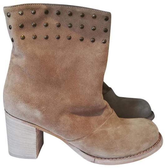 Preload https://img-static.tradesy.com/item/24070804/cordani-light-beige-suede-ankle-bootsbooties-size-eu-38-approx-us-8-regular-m-b-0-2-540-540.jpg