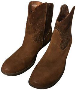 B.O.C. Leather Zipper Side Accent Beads Round Toe Sturdy Heel Medium Brown Boots