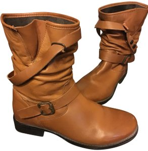 Eric Michael Quality Leather Buckle/Snap Round Toe Soft Int. Lining Front Scrunched Look Medium Tan Boots