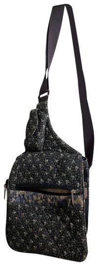 Preload https://img-static.tradesy.com/item/24072476/travelon-anti-theft-purse-black-white-cotton-cross-body-bag-0-1-540-540.jpg
