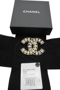 Chanel CC Chanel Brooch Pin, New in box with tag. Pearl / Golden / Crystal