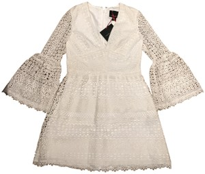 Cynthia Rowley Bellsleeve Crochet Wedding Bridalshower Dress
