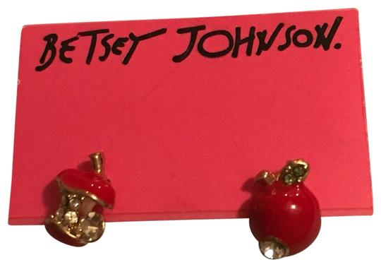 Preload https://img-static.tradesy.com/item/24074564/betsey-johnson-red-apple-earrings-0-1-540-540.jpg