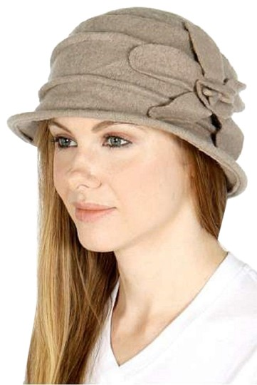 Preload https://img-static.tradesy.com/item/24074766/beige-new-womens-wool-bucket-flower-point-winter-hat-0-1-540-540.jpg