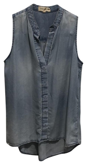 Preload https://img-static.tradesy.com/item/24074881/cloth-and-stone-chambray-na-button-down-top-size-0-xs-0-1-650-650.jpg