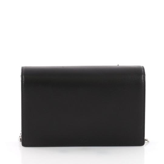 Preload https://img-static.tradesy.com/item/24075069/dior-diorama-wallet-on-chain-patch-embellished-black-leather-clutch-0-0-540-540.jpg