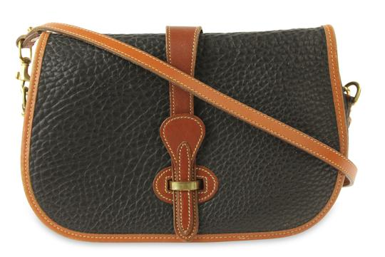 Preload https://img-static.tradesy.com/item/24075209/dooney-and-bourke-saddle-black-leather-cross-body-bag-0-2-540-540.jpg