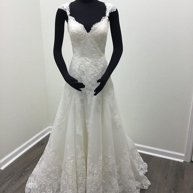 Item - Ivory/Nude Lace Tulle Style 831 Traditional Wedding Dress Size 8 (M)