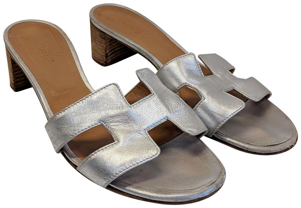 e644bb34e3f2 Hermès Silver Leather Oran Block Heel Slide Sandals Size EU 38.5 ...
