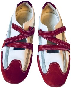 Ecco Flats Walking White & Red Athletic
