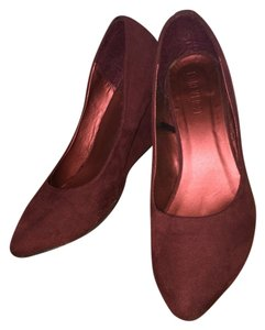 Forever 21 Suede Faux Suede Maroon Burgundy Wedges