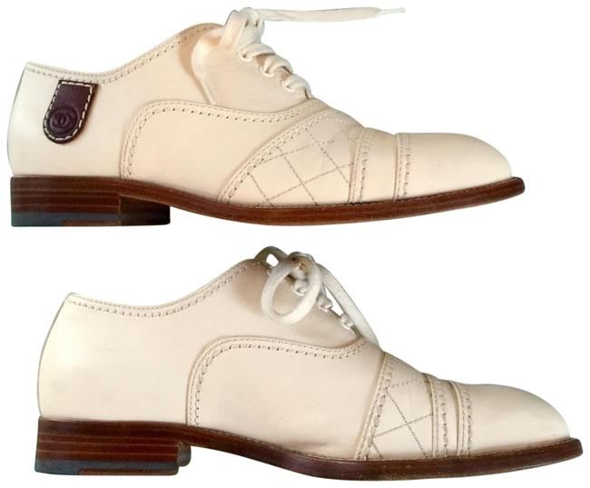 Item - Ivory Oxford Flats Size US 7.5 Regular (M, B)